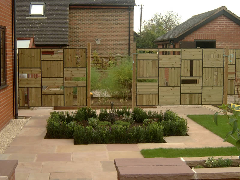 Gardens sorted screens and fencing for Garden windbreak designs